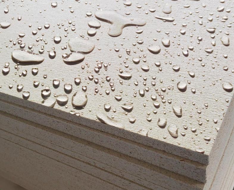 Placa resistente à água e a intempéries